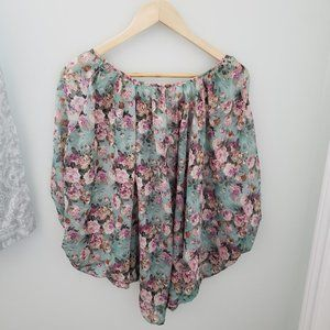 3/$30 Boho style floral top